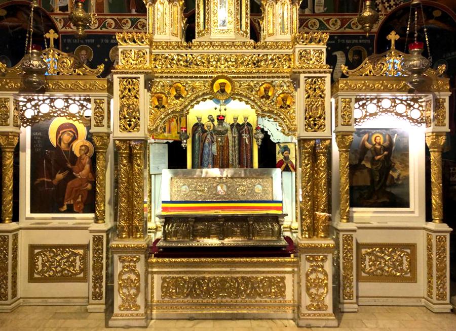 Icoane moaste Constantin Brancoveanu, renovate de Ion Antonescu